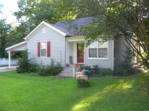 105 College St., Blue Mountain, MS 38610