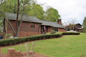 201 Woodlake Cr., Pontotoc, MS 38868