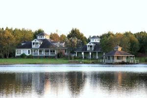 10084 Lakeview Dr., Aberdeen, MS 39730