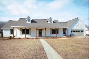 172 Westwood Cr., Saltillo, MS 38866