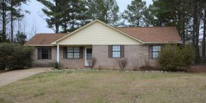 205 Camellia, Booneville, MS 38829