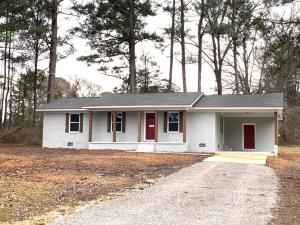 176 Gregory Dr, Mantachie, MS 38855