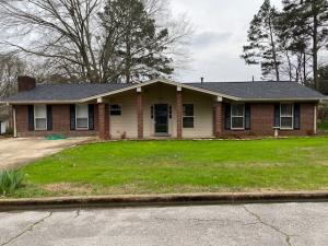 2513 Hood Ave., Tupelo, MS 38801