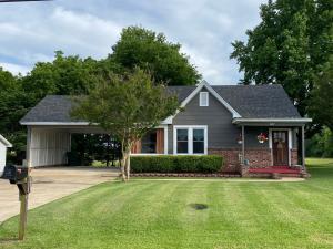 827 Shumacola, Tupelo, MS 38801