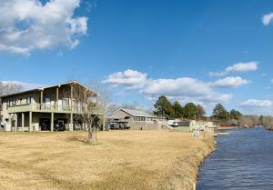 50046 Indian Island Cr., Aberdeen, MS 39730