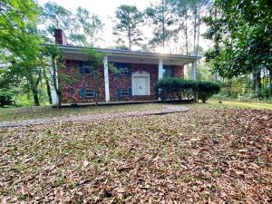 209 Feemster Lake Road, Tupelo, MS 38804