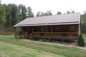 Property for sale at 696 GREER BRANCH RD, Laurel Bloomery,  Tennessee 37680