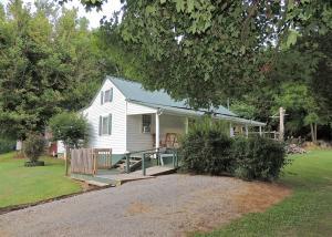 2515 Garrett Hill Road, Greeneville, TN 37743