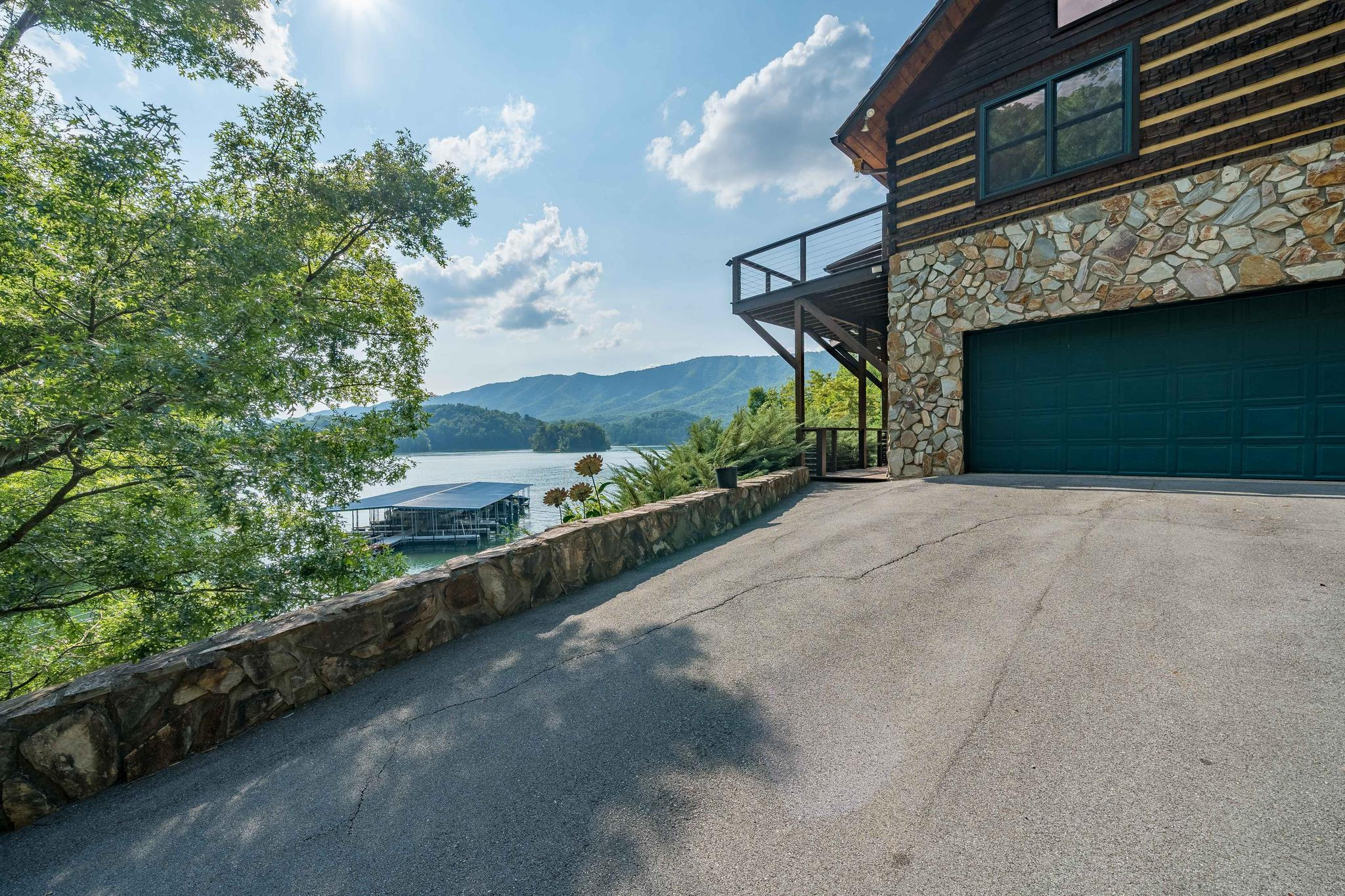 709 cove edge dr (2 of 72)