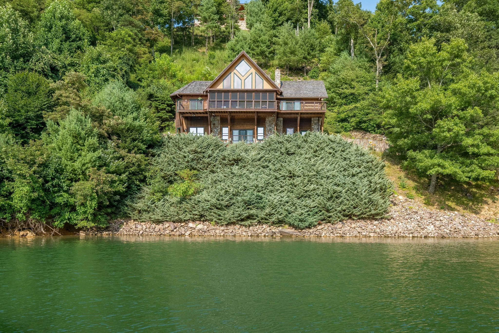 709 cove edge dr (7 of 72)