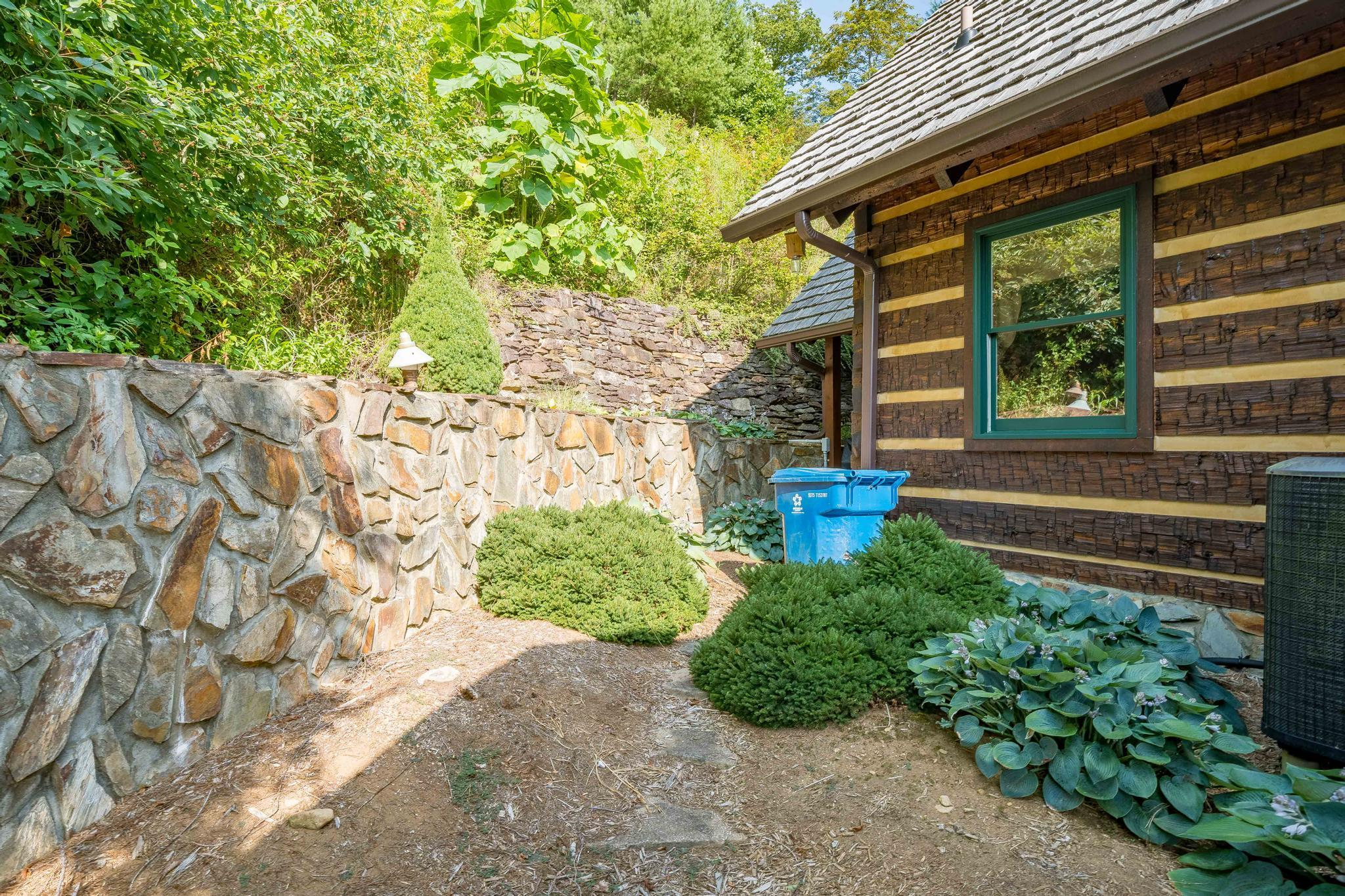 709 cove edge dr (17 of 72)