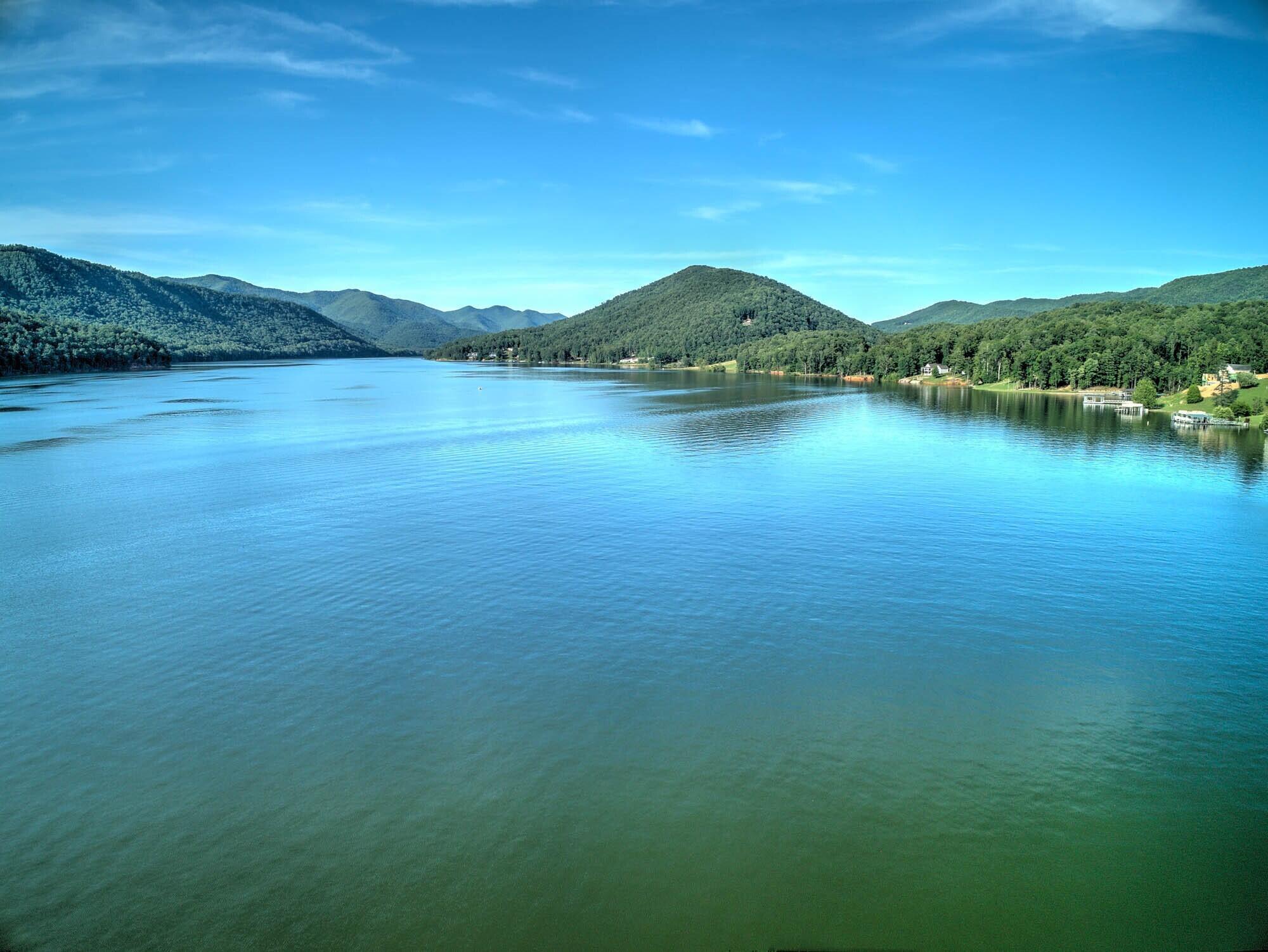 WALK TO WATAUGA LAKE & BOAT RAMP!