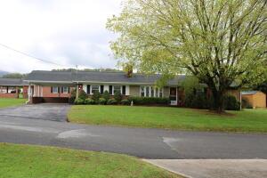 170 Bishop Circle, Elizabethton, TN 37643