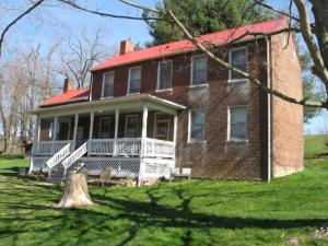 285 COLLIER RD, Uniontown, PA 15401