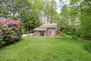 74 Lafayette Trail, Chalk Hill, PA 15421