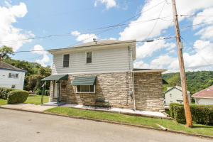320 GRAYS LN, Brownsville, PA 15417