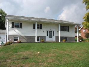 1306 CONCORD DR, Connellsville, PA 15425