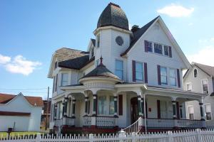 53 WILSON AVE, Uniontown, PA 15401