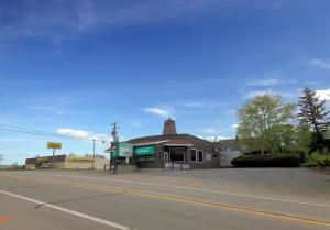 1141 National Pike, Hopwood, PA 15445