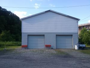 800 RIVERSIDE DR, Connellsville, PA 15425