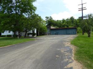 40 Buttermilk Ln, Hopwood, PA 15445