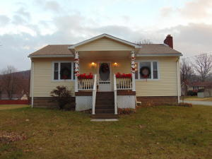 140 Elizabeth St, Hopwood, PA 15445