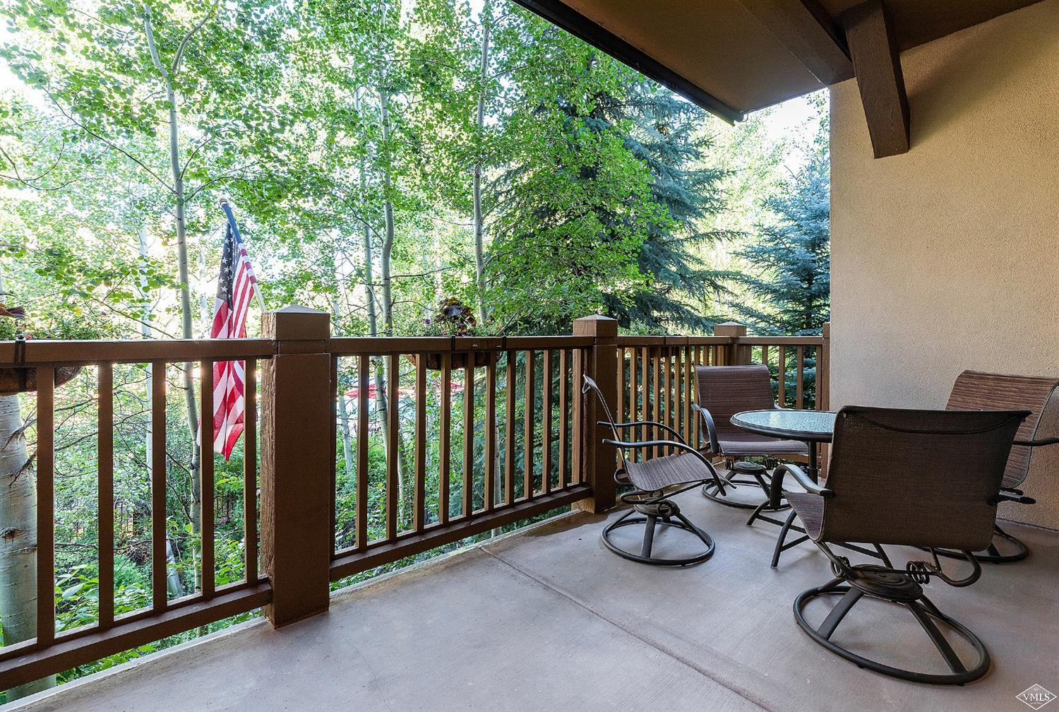 Photo of home for sale at 142 Arrowhead Circle, Edwards CO