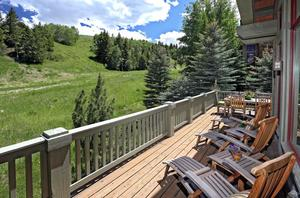 Photo of home for sale at 404 Cresta Road, Edwards CO
