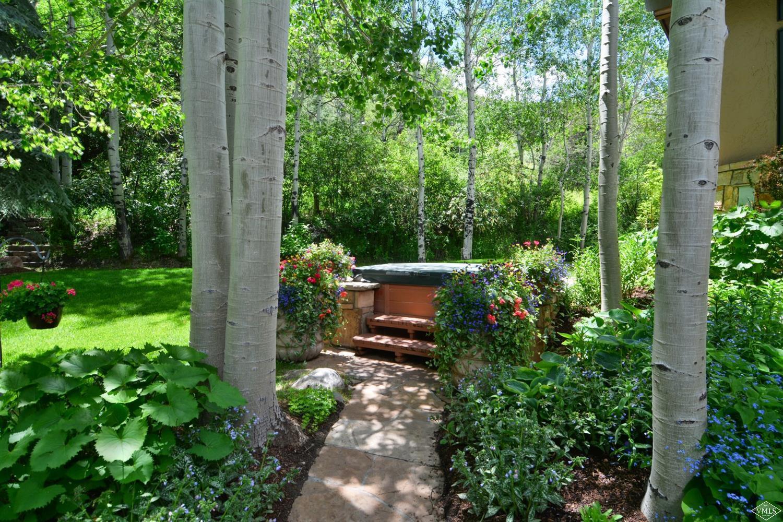 Photo of home for sale at 70 Aspen Ridge Lane, Edwards CO