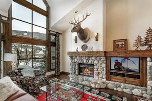 385 Offerson Road, M4, Beaver Creek, CO 81620
