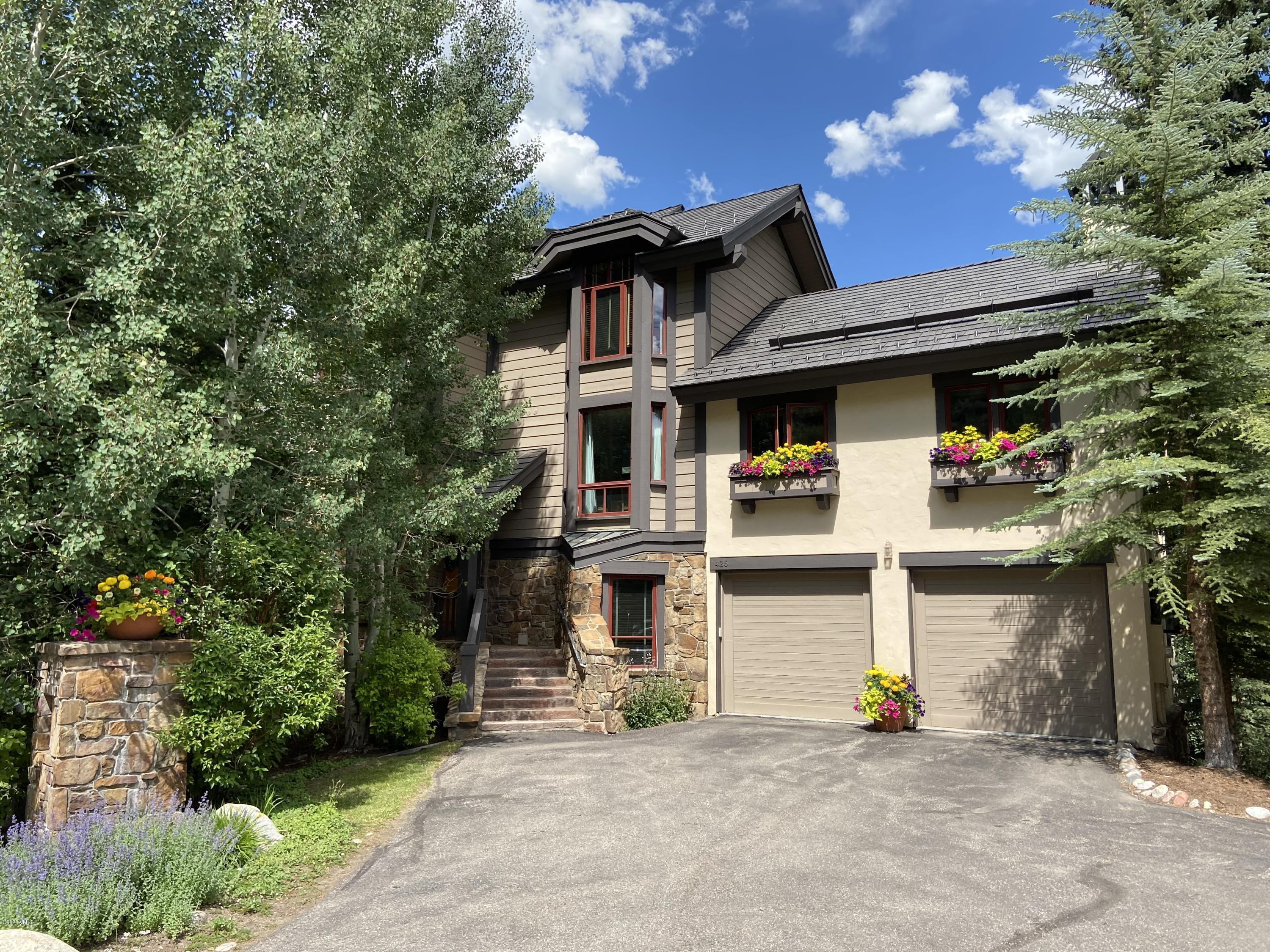 Photo of home for sale at 426 Cresta Road, Edwards CO