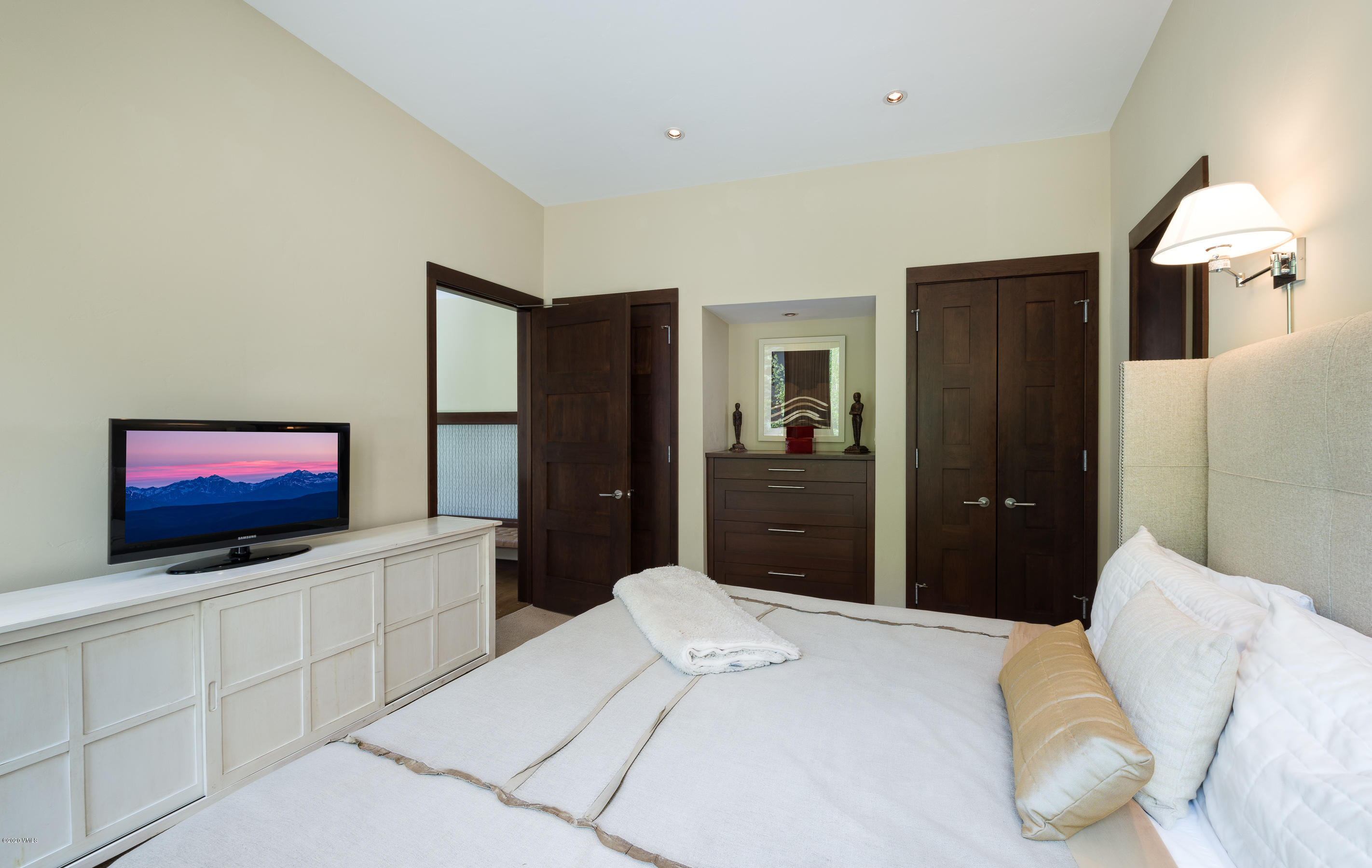 Proprty image for 745 Forest Road Unit B