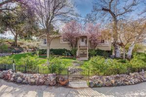 2581 Kanan Road, Agoura Hills, CA 91301