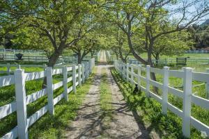 1753 Hidden Valley Road