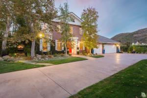 841 W Stafford Road, Thousand Oaks, CA 91361