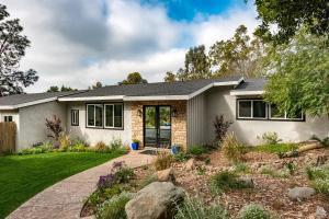 12 La Crescenta Drive, Camarillo, CA 93010