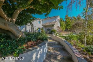 319 Briar Bluff Circle, Thousand Oaks, CA 91360