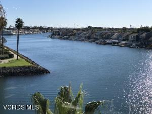 1715 Emerald Isle Way, Oxnard, CA 93035