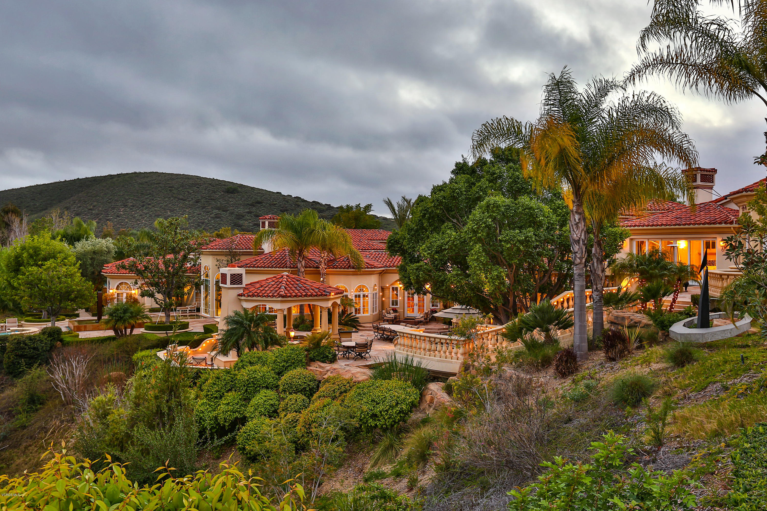 Photo of 955 Vista Ridge Lane, Westlake Village, CA 91362