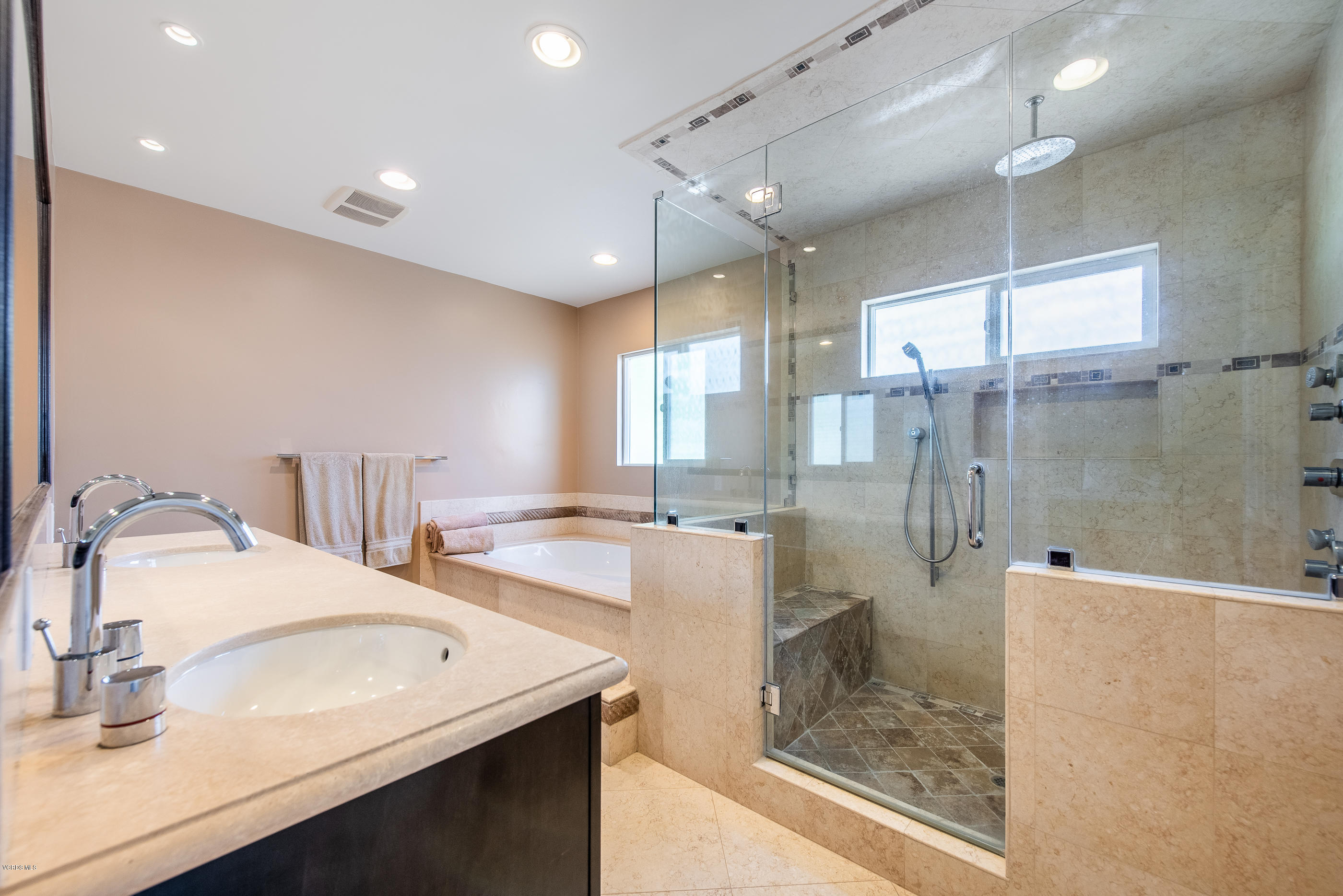 9826 Belmar Avenue Northridge Ca 91324 Dilbeck Real Estate