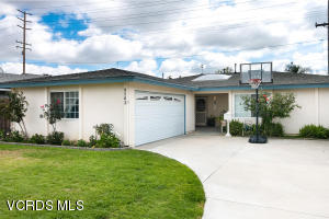 9562 Las Cruces Street, Ventura, CA 93004