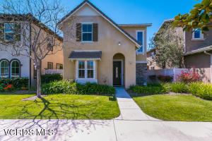 414 Lakeview Court, Oxnard, CA 93036