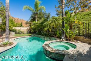 1034 Lambourne Place, Oak Park, CA 91377