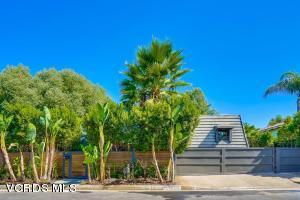 20715 Deforest Street, Woodland Hills, CA 91364