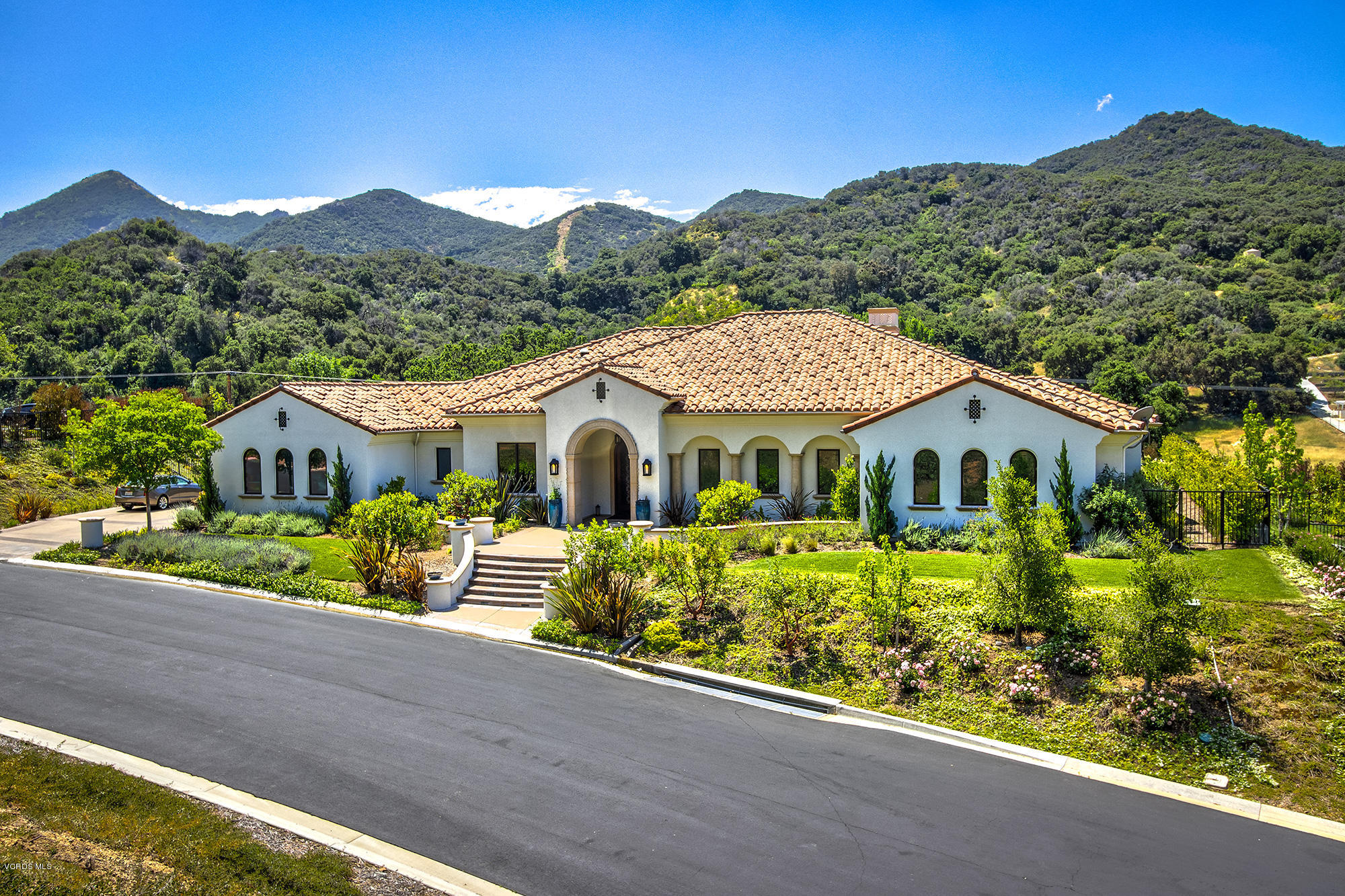 Photo of 650 Williamsburg Court, Thousand Oaks, CA 91361