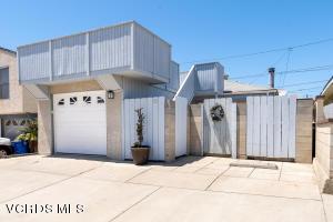 121 Eagle Rock Avenue, Oxnard, CA 93035