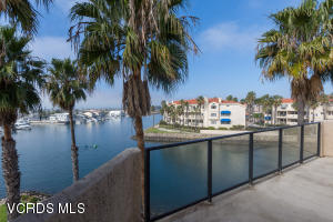 4255 Harbour Island Lane, Oxnard, CA 93035