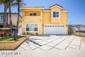 2011 Peninsula Road, Oxnard, CA 93035