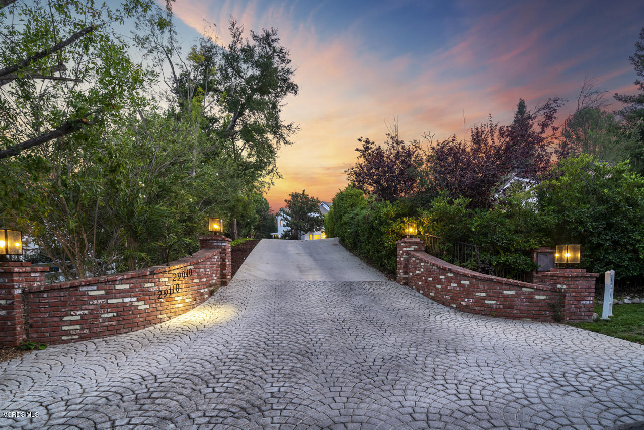 Photo of 29040 Wagon Road, Agoura Hills, CA 91301