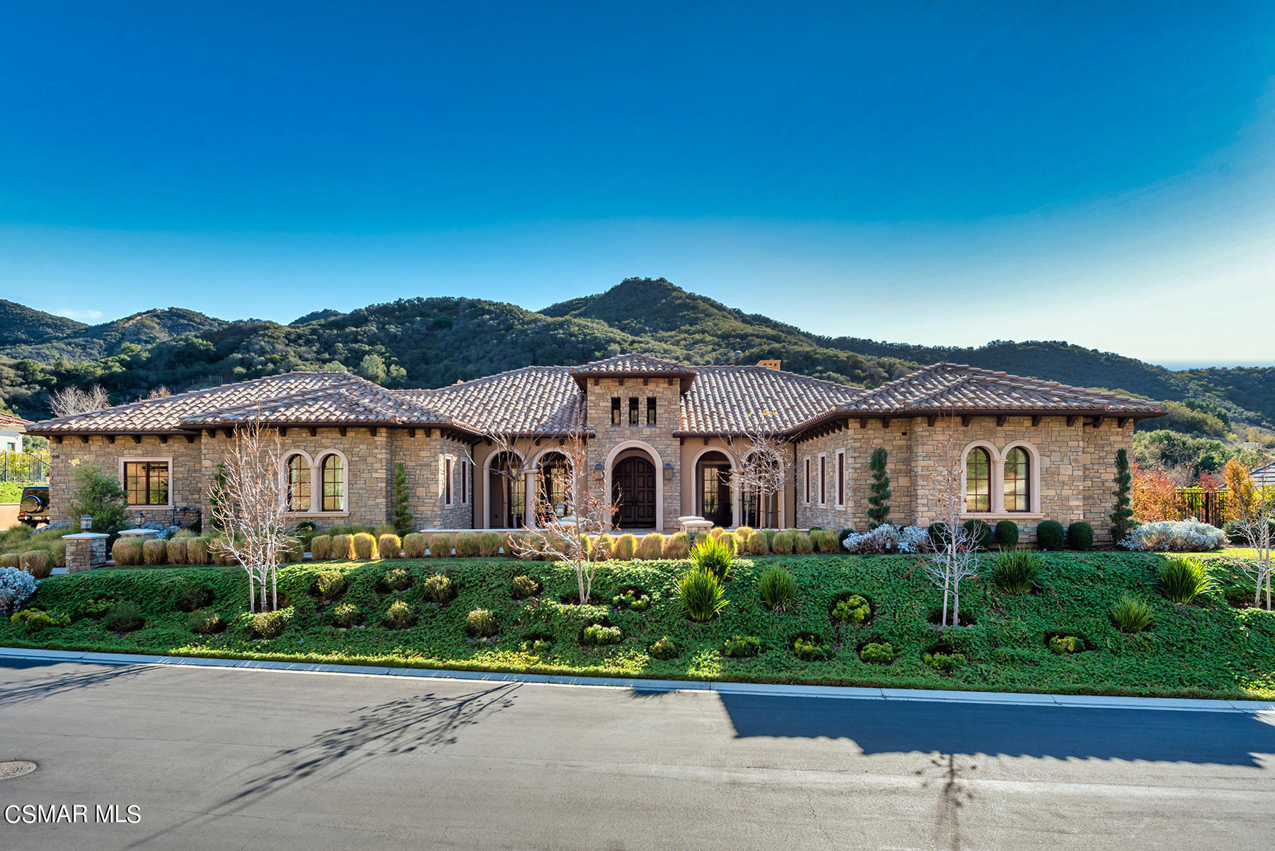 Photo of 616 Williamsburg Court, Thousand Oaks, CA 91361